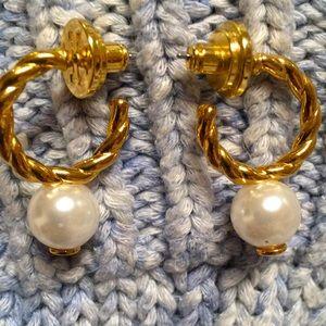 Tory Burch swirl Pearl earrings